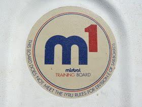 """Venue également de Belgique, voici une Mistral M1 qui se démarque des autres : si elle arbore bien le logo circulaire """"M1"""" sur le tiers avan..."""