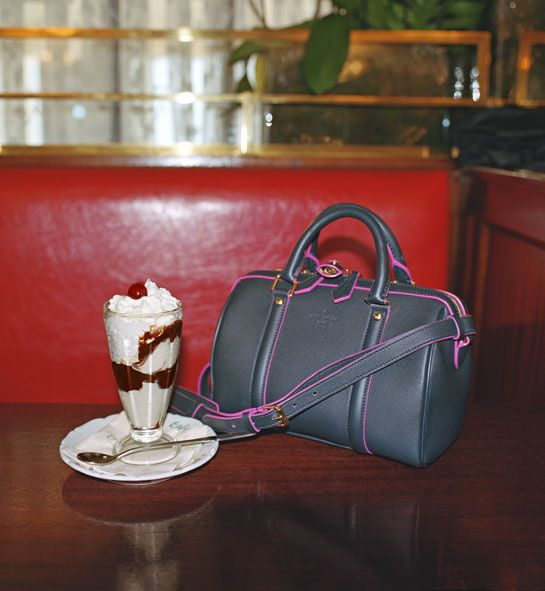 Le sac SC de Sofia Coppola et Louis Vuitton en édition limitée pour le Bon Marché Rive Gauche, prix sur demande http://www.vogue.fr/mode/news-mode/diaporama/le-sac-sc-de-sofia-coppola-et-louis-vuitton-en-edition-limitee-au-bon-marche/14417#!le-sac-sc-de-sofia-coppola-et-louis-vuitton-en-edition-limitee-pour-le-bon-marche-rive-gauche-prix-sur-demande