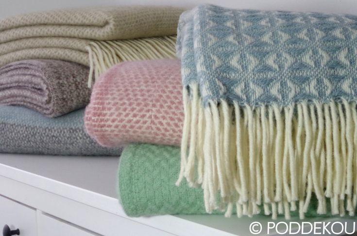Elegantné deky v pastelových letných farbách.