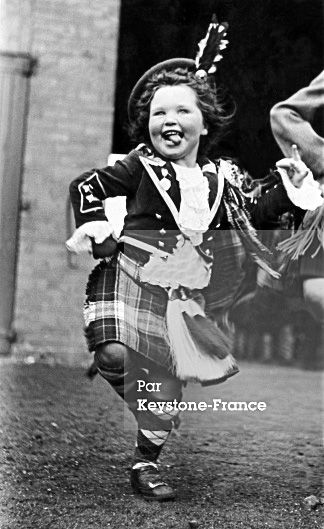 On September 6, 1951, This Little Girl Is Training To Jig In Prevision Of A Scottish Tour Of The Queen Mother Elizabeth In The Highlands.