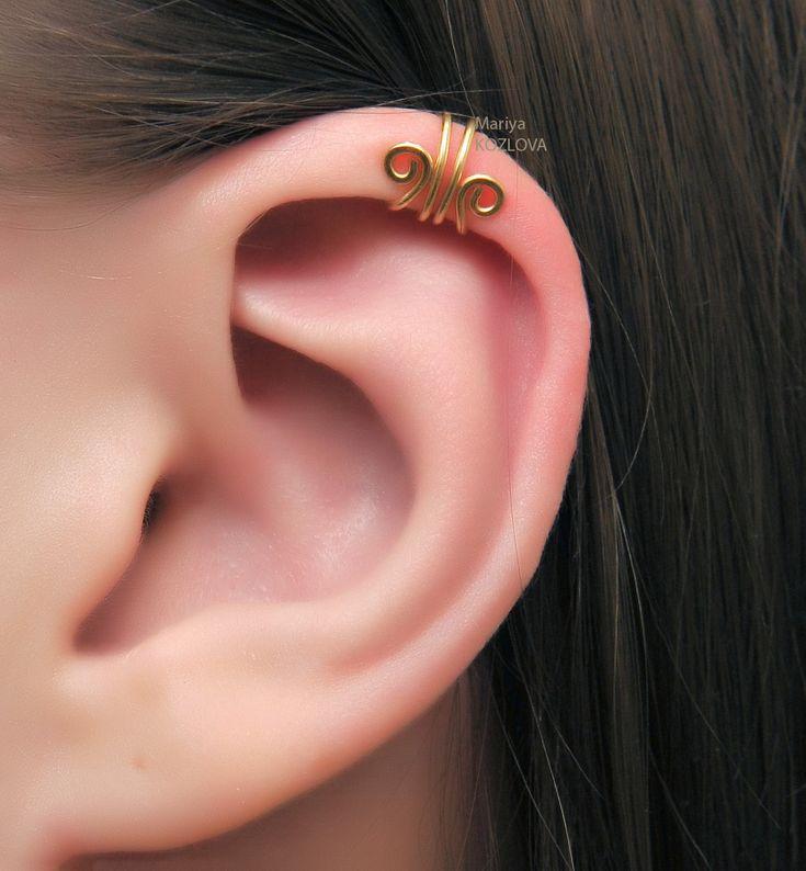 Gold Scroll Ear Cuff for the Upper Ear - cartilage ear cuff - piercing imitation - fake ear piercing. Helix ear cuff. by LotEarCuffs on Etsy