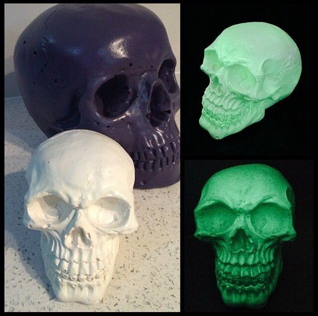 - Kreepy Kulture -  Glow in the dark skull