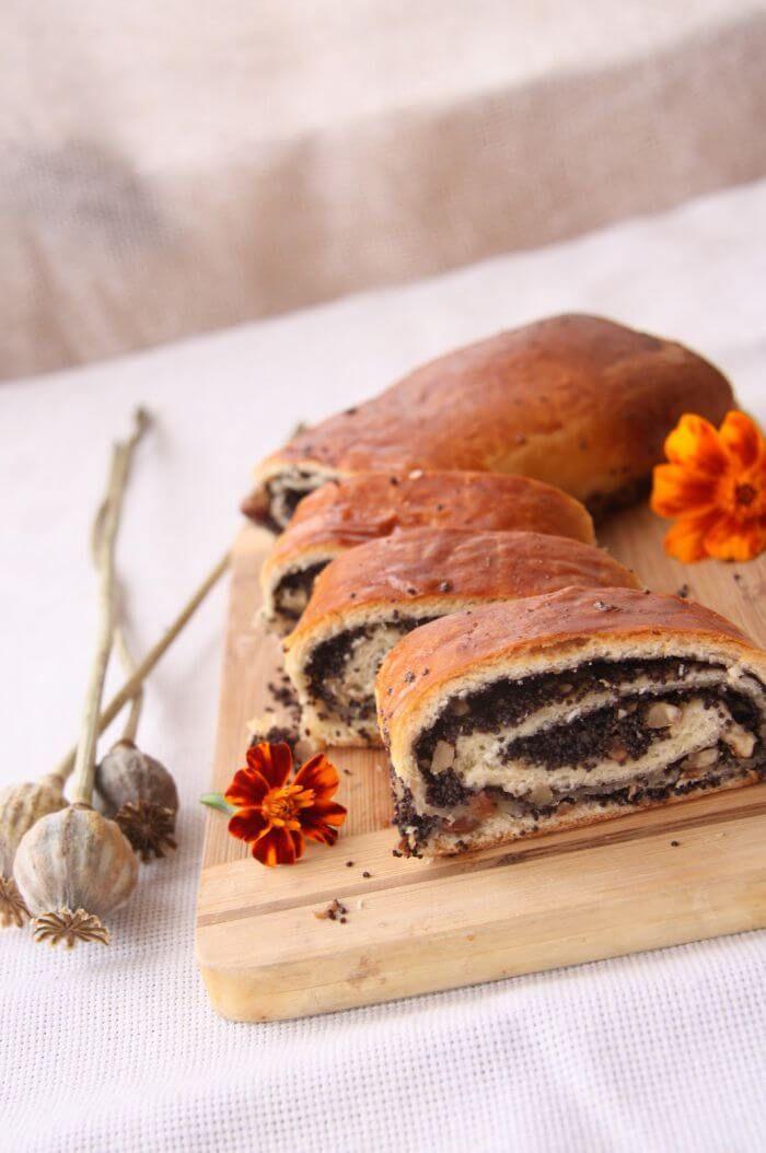 We, Slavic people, love cakes with poppy seeds, the more poppy seeds the better. Today we are going to bake a flavorful roulade that will melt in your mouth from the first seconds. This poppy seed roll is called 'makivnyk' in Ukrainian. This cake includes awesome homemade filling which makes the roll one of a kind. Who would not like the…