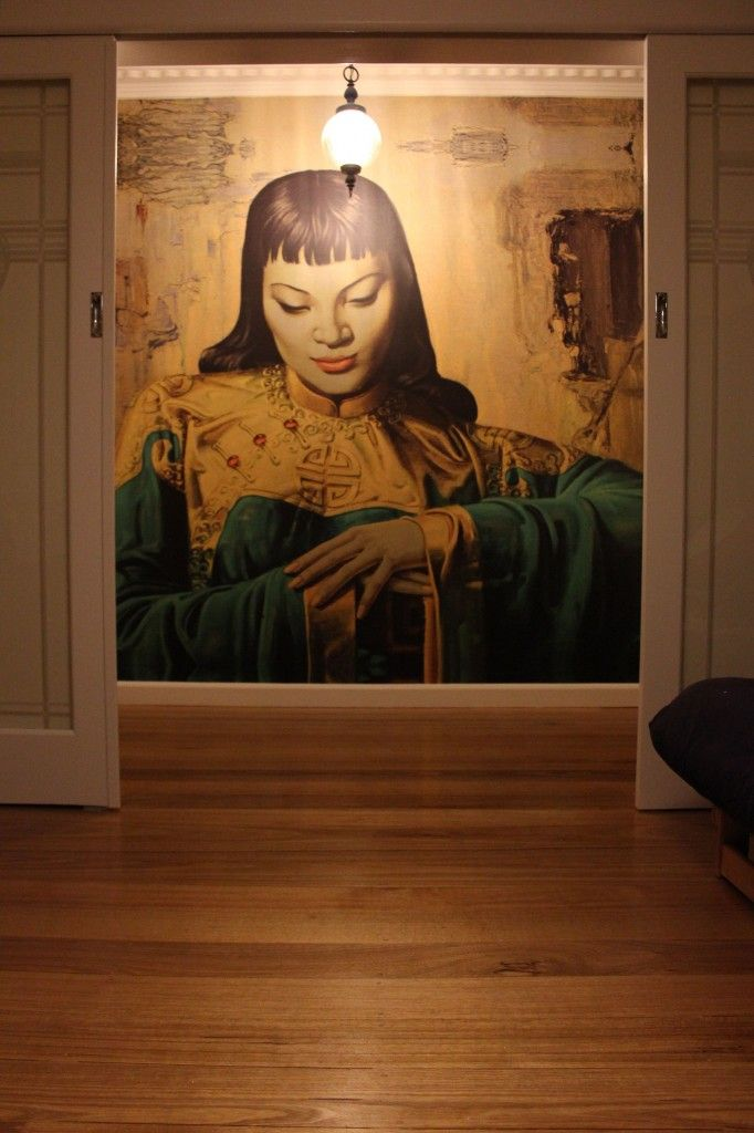 This mural features one of our favourite and most famous images. Tretchikoff's Lady of the Orient from Wayne Hemingway's Land of Lost Content collection… thanks to another satisfied customer for sending this in!