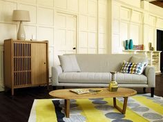 YELLOW LIVING ROOM RUGS DECORATION, WOULD YOU DARE? | Contemporary Rugs | Colorful Rugs | Interior Design | #designrugs | #homedecor | #modernrugs | more @ http://www.contemporaryrugs.eu/yellow-living-room-rugs-decoration-dare/