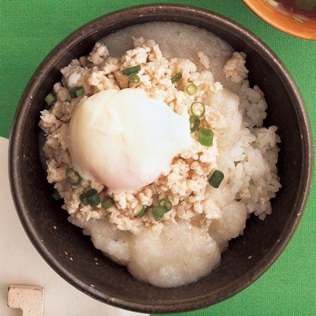 とりそぼろのとろろ丼   外処佳絵さんのどんぶりの料理レシピ   プロの簡単料理レシピはレタスクラブニュース