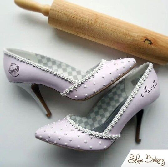 Shoes based on a cake design by Shoe Bakery