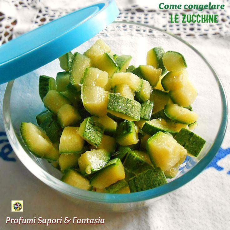 Come congelare le zucchine passo passo, un procedimento facile che ci permette di conservare le zucchine in esubero per l'inverno. I vari passaggi con foto.