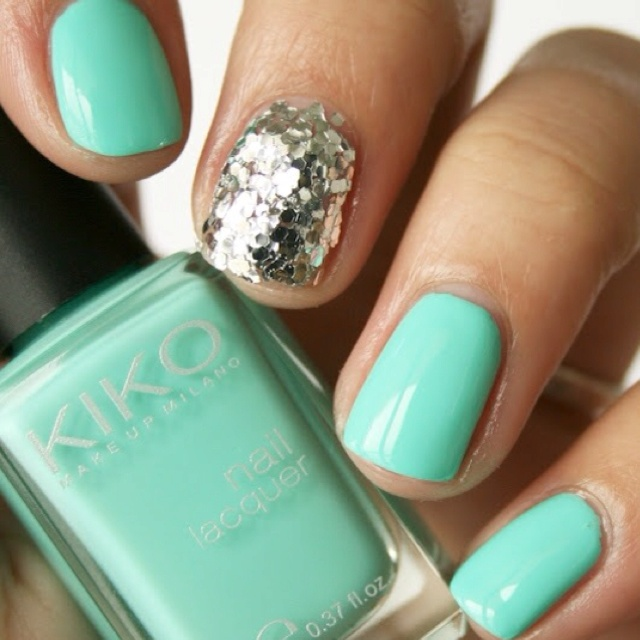 Mint green: Mint Green, Accent Nails, Rings Fingers, Silver Nails, Tiffany Blue, Glitter Nails, Parties Nails, Nails Polish, Mermaids Nails