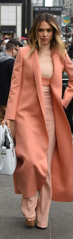 Jessica Alba, all coral: coat (with original closure), crop top, wide leg pants. Narciso Rodriguez FW-15.