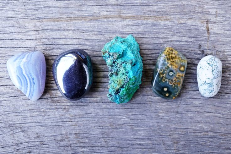 5 Healing Crystals Everyone Needs for 2017 #crystals