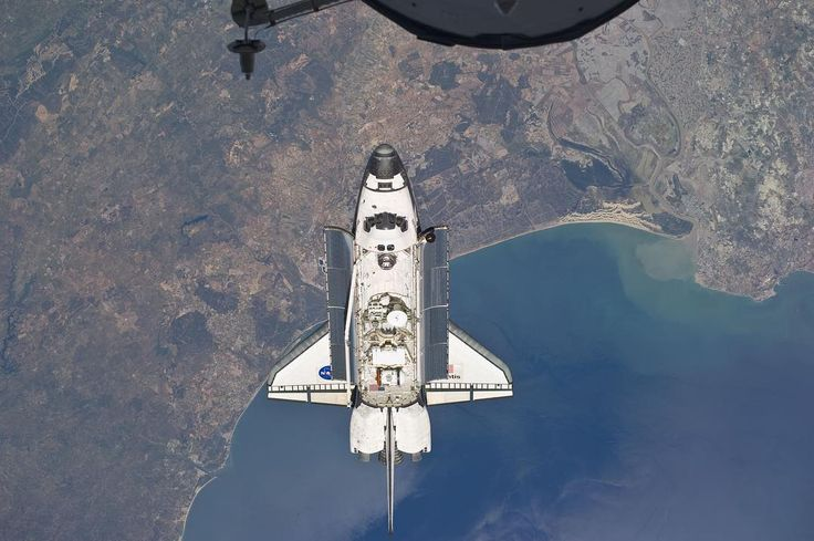 209 отметок «Нравится», 5 комментариев — Fidèle M (@mraerospace) в Instagram: «The Space Shuttle Atlantis flying above the Atlantic coast of Spain and the Gulf of Cadiz, during…»