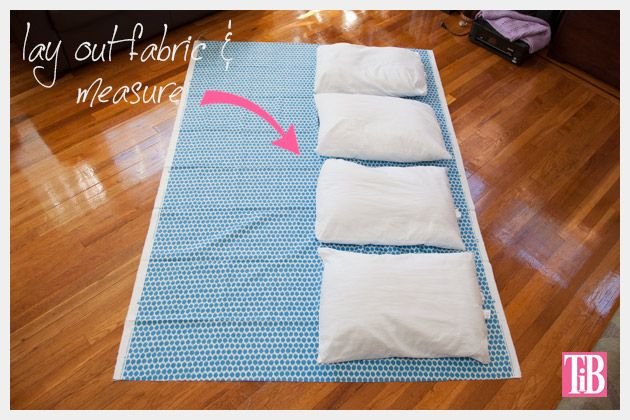 Diy Pillow Lounger With Waverly Fabric