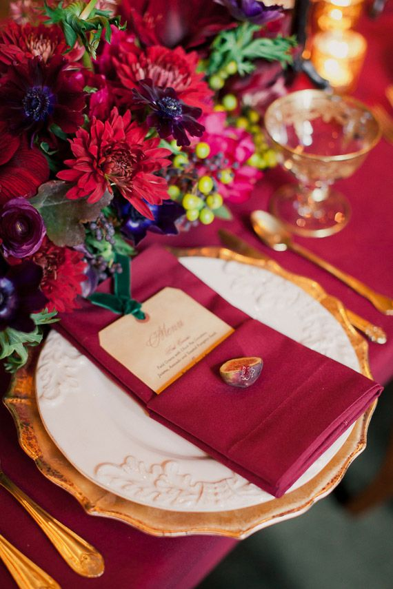 Winter wedding inspiration at the New York Public Library   Photo by His and Her weddings   Read more - http://www.100layercake.com/blog/?p=79390