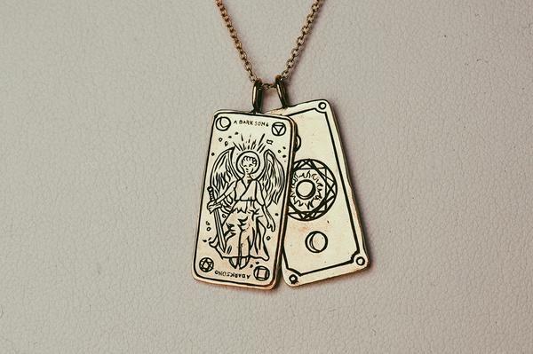 A Dark Song Tarot Card Necklace | Bling bling | Dark songs