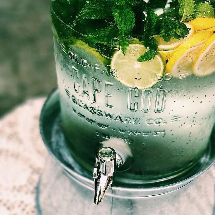 Zbliża się gorący weekend pamiętajcie żeby pic dużo wody  #woda #lato #wakacje #vsco #vscocam #broilking #broilkingpl #lemon #cytryna #capecod #woda #broilkingpl #broilkingpolska #grill #grillgazowy