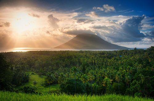 Island of Bunaken on the northern tip of Sulawesi Island, North Sulawesi, Indonesia.