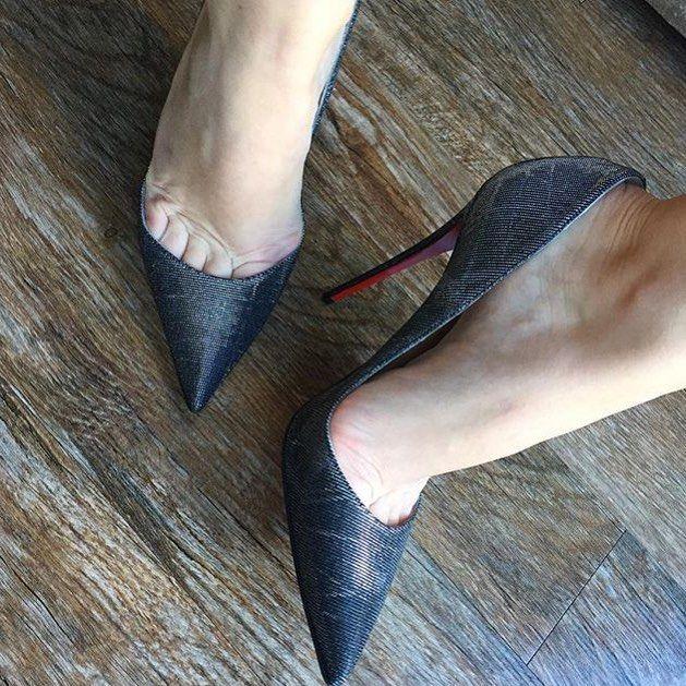 "140 Likes, 2 Comments - @abracadabraistanbul on Instagram: ""@dresssenselady #highheels #heels #shoes #sexyshoes #sexyheels #toes #feet #stockings #foot #shoe…"""
