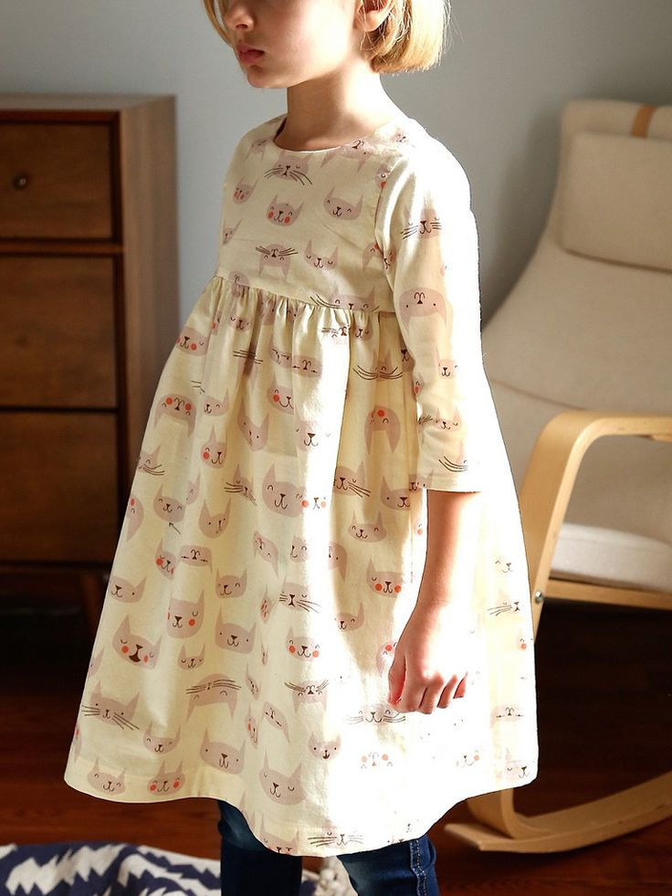 Kitty Geranium Dress with sleeves