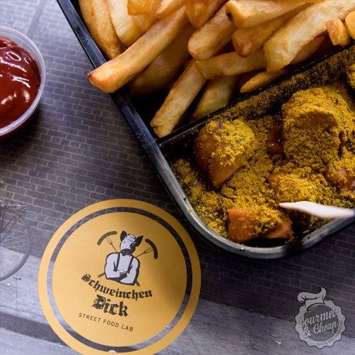 Berliner curry wurst στο Γκάζι!