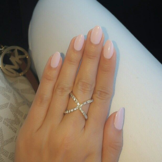 Almond shape nails cnd shellac cakepop