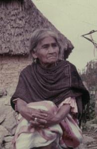 Maria Sabina en NuFlick.  Testimonio sobre los ritos y las técnicas de la célebre curandera María Sabina, la sacerdotisa del hongo alucinógeno y la más conocida de las chamanas oaxaqueñas en los setenta.