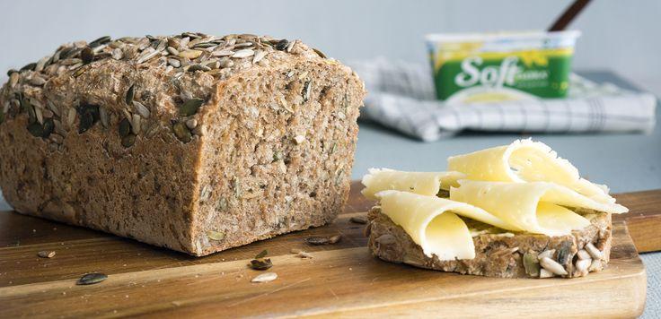 Eltefritt brød som verken trenger knaing eller langtidsheving. Resultatet er et nydelig, saftig og mettende matpakkebrød med mye smak, som holder seg godt.