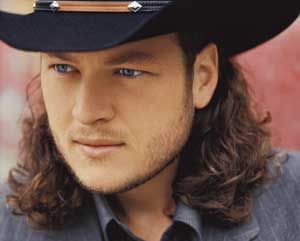 OMGGGG Blake Shelton had long hair?! yess this is too funny