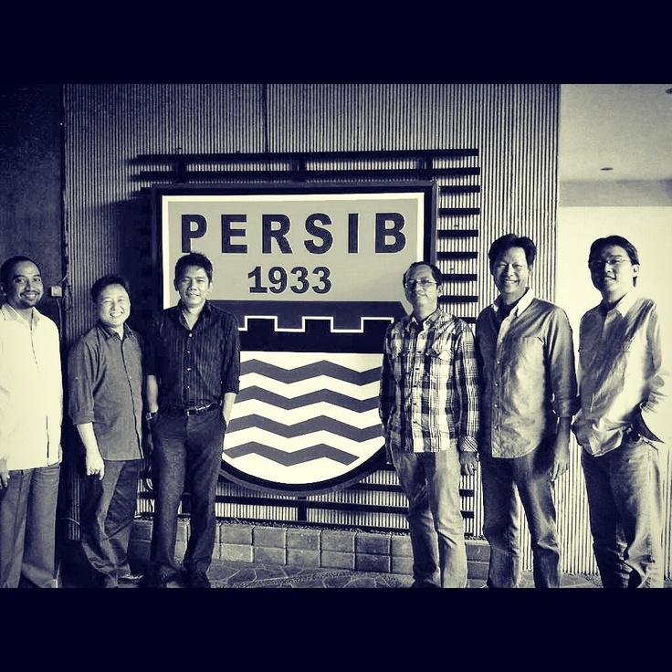 at Persib Cafe with mas Risa, David, Andrias, Edward & Arthur