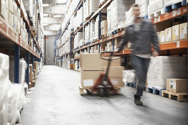 #MaterialHandling Manual cargo handling has always been with us and is likely to be an essential part of warehousing throughout the future. http://www.wprpwholesalepalletrack.com