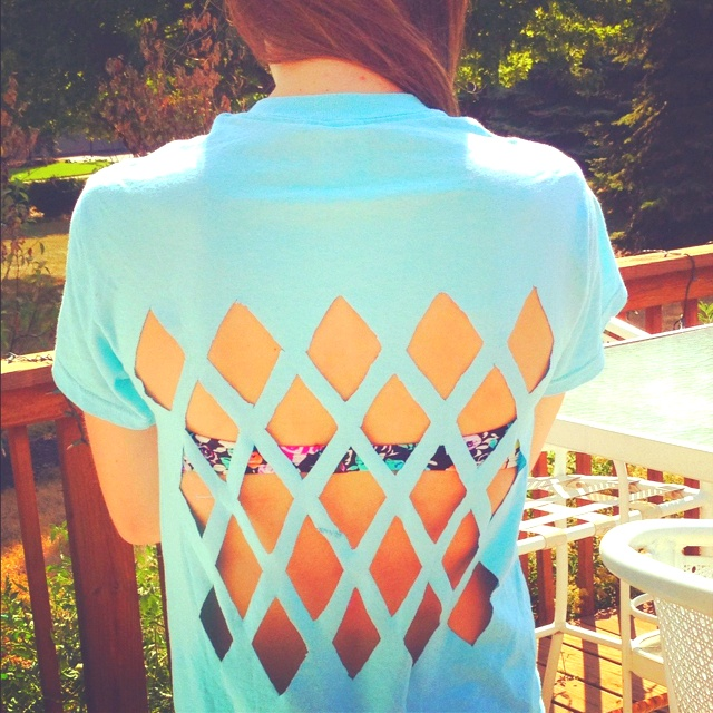 Cute way to cut a T-shirt. So easy!! The shirt I made! Just make a cut out triangle stencil, place on inside of shirt and outline with pen, then cut!