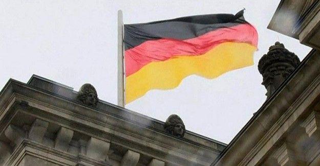 """Alman Dergisi Der Spiegel Darbe Çığırtkanlığına Devam Ediyor  """"Alman Dergisi Der Spiegel Darbe Çığırtkanlığına Devam Ediyor"""" http://fmedya.com/alman-dergisi-der-spiegel-darbe-cigirtkanligina-devam-ediyor-h47014.html"""
