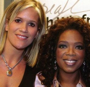 role model oprah winfrey Oprah winfrey hummm a great role model to me she is an insperational women and makes alot of money and gives away things with her love and care even when she had a bad c hildhoood she is amazing at what she does today.