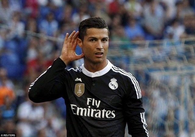 prediksijitu.asia – Cristiano Ronaldo Masuk Daftar Jual Real Madrid - merupakan topik berita bola terbaru seputar Sepakbola Liga Spanyol, sebelumnya tim Agen Bola Euro 2016 juga telah berbagi berita lainnya yaitu Cristiano Ronaldo Jual Rumah Di Madrid?.Usia yang tidak lagi muda dan durasi kontrak yang akan segera berakhir membuat Los Blancos berencana menjual Ronaldo di kisaran €60 juta pada musim panas ini.