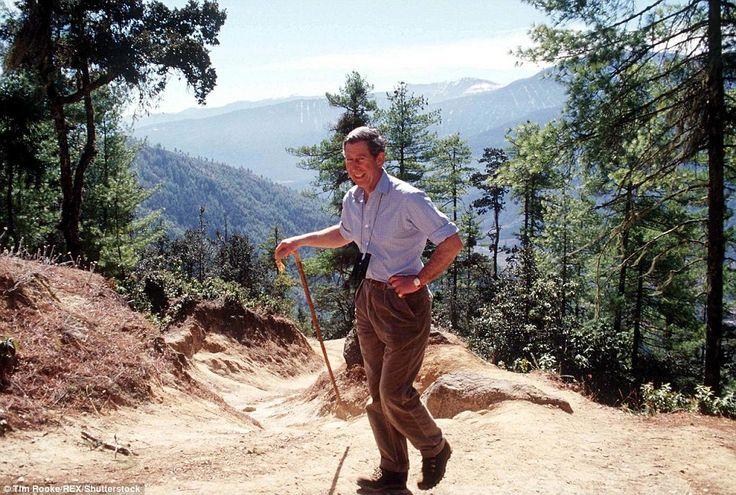 Vergangene Besuch: Charles folgte dem gleichen Weg, wenn er Bhutan besucht, aber er wurde in einem Polospiel verletzt, so hielt vor dem Aufstieg