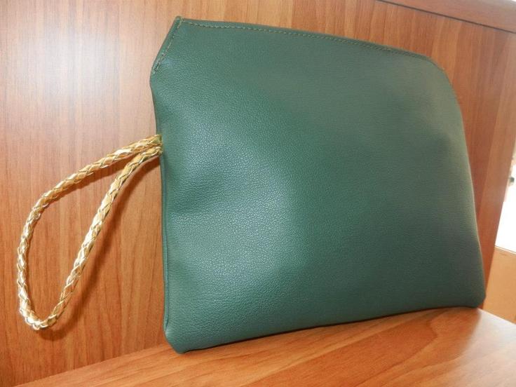 green purse*