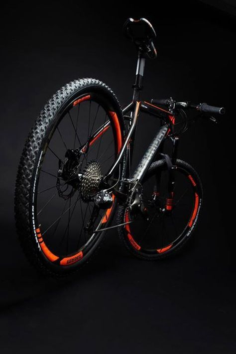 ideas-about-nothing: B'twin XC Pro Factory bike