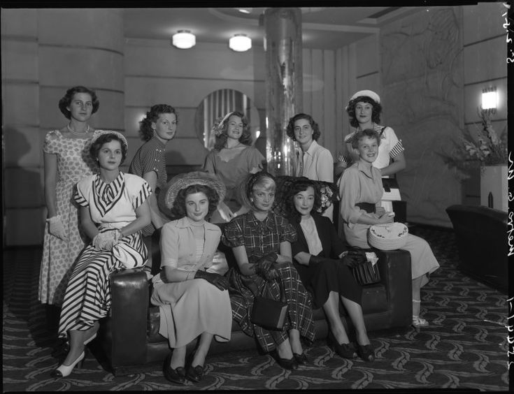 234809PD: People posing at the Metro Theatre, 1951. http://encore.slwa.wa.gov.au/iii/encore/record/C__Rb2295796__SPeople%20posing%20at%20the%20Metro%20__Orightresult__U__X6?lang=eng&suite=def