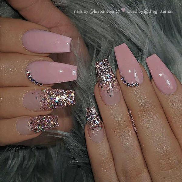Slika Moze Sadrzavati Jedna Ili Vise Osoba I Krupni Plan Mauve Nails Pink Ombre Nails Light Pink Nails