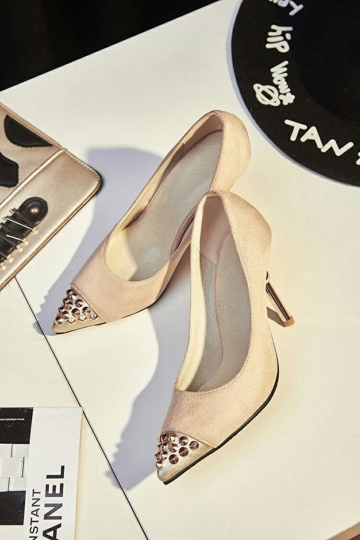 $18 Cream Professional Looks! #pointedheels #highheels #onlineshop #oli_oddie
