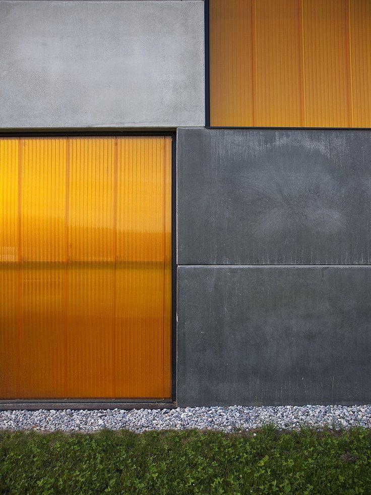 Gallery - Office, Store & shop concrete container / OFIS Arhitekti - 5