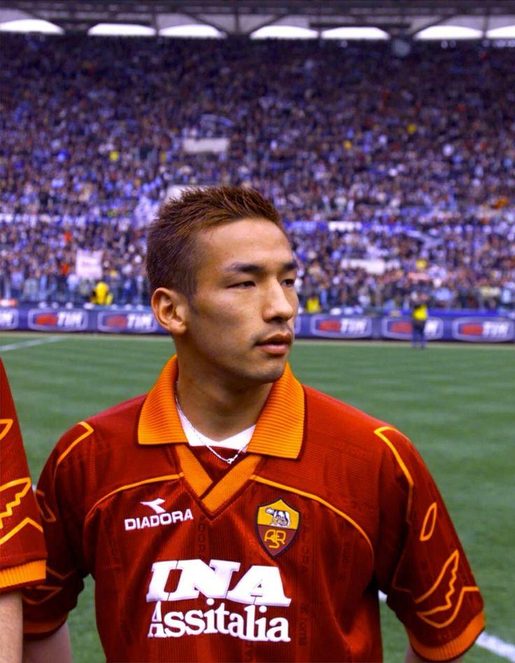 Hidetoshi Nakata - Bellmare Hiratsuka, Perugia, Roma, Parma, Bologna, Fiorentina, Bolton Wanderers, Japan.