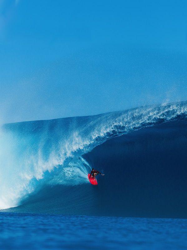 WOW... Bruce Irons... Big surf #surfer #surf