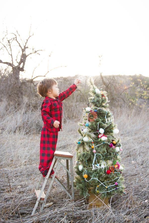 Family Christmas Photos // Kylie Chevalier Photography. Mini session idea #christmas #xmas #photography