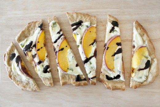 The 25+ best Peach pizza ideas on Pinterest | Proscuitto ...