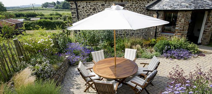 The Old Shippon at Dunsdon Farm in North Devon, is a beautifully restored old barn.  It can accommodate up to 6 people and 2 large dogs. #dogfriendly