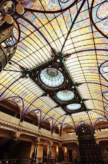 myfotolog: Grand Hotel Ciudad de Mexico, © Radius feel as if they have the whole world / feel the whole world