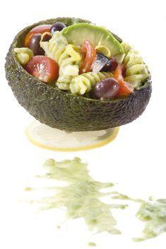 Fusilli con salsa di avocado al pesto e pomodorini - Tutte le ricette dalla A alla Z - Cucina Naturale - Ricette, Menu, Diete
