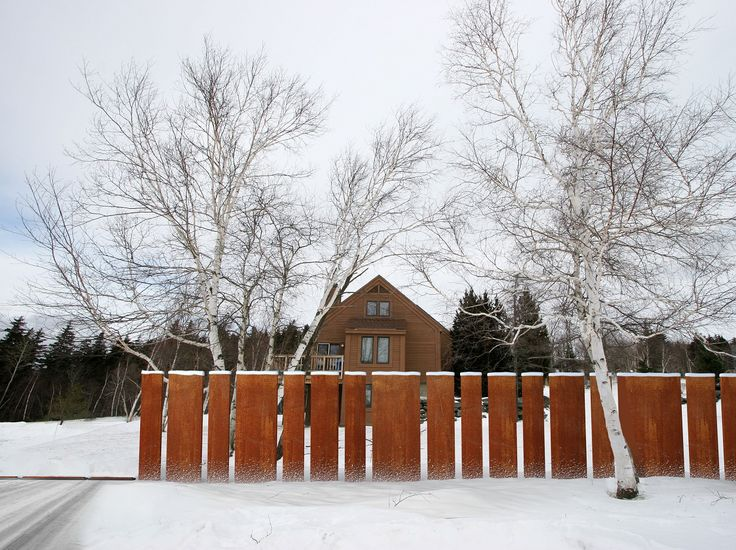 corten fence by FANCY FENCE, rising gate open