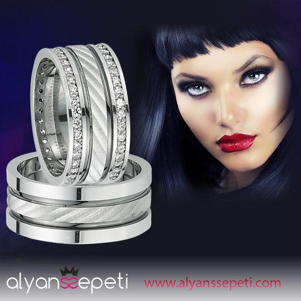 siyah ve beyaz renklere aşıksanız sizleri de sayfamıza bekliyoruz. http://www.alyanssepeti.com